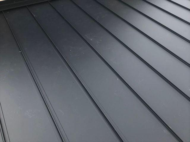 山口市でガルバリウム鋼板をカバー工法で施工した屋根