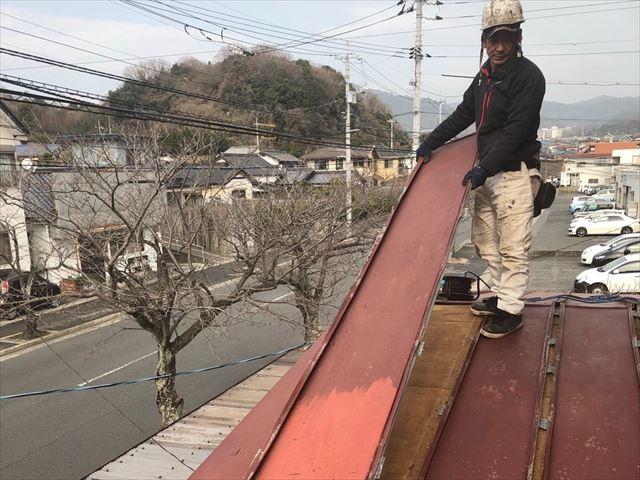 金属屋根材の撤去