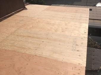 野地板の敷設