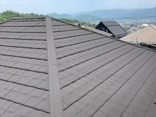 石粒付きの金属屋根