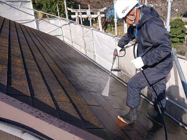 高圧洗浄で汚れを除去