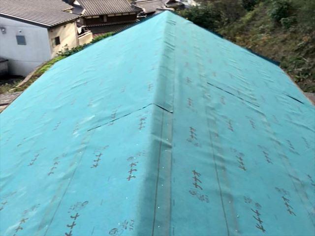 下松市にて葺き替えで屋根をリフォーム、立平葺きによる金属屋根の施工