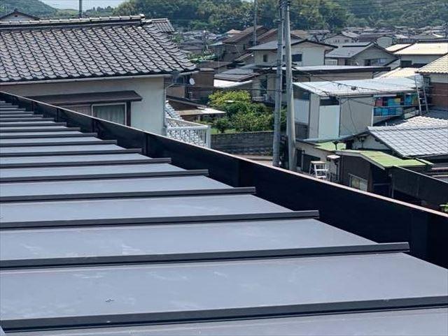 金属屋根材の施工