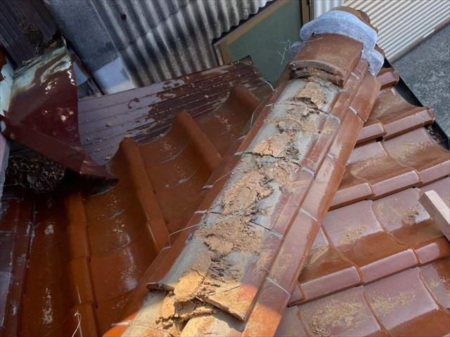 下松市にて棟瓦の取り直しによる屋根修理で漆喰の剥がれを直し安心な屋根に