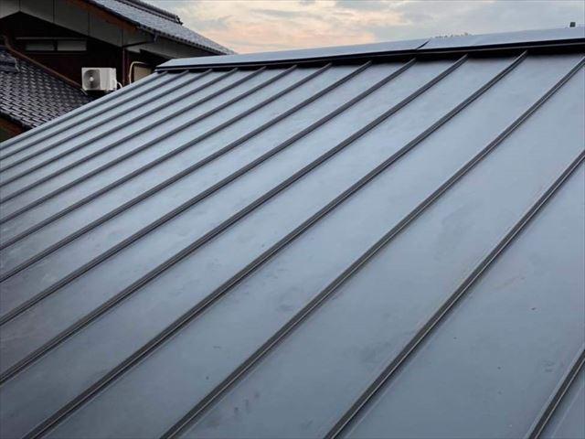 葺き替えでガルバリウム鋼板を施工した金属屋根