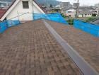 カバー工法でリッジウェイを施工した屋根