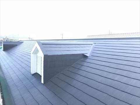 ドーマーの付いたスレート屋根