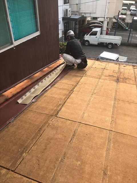 屋根材の撤去作業