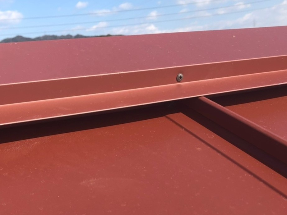 瓦棒屋根の棟板金