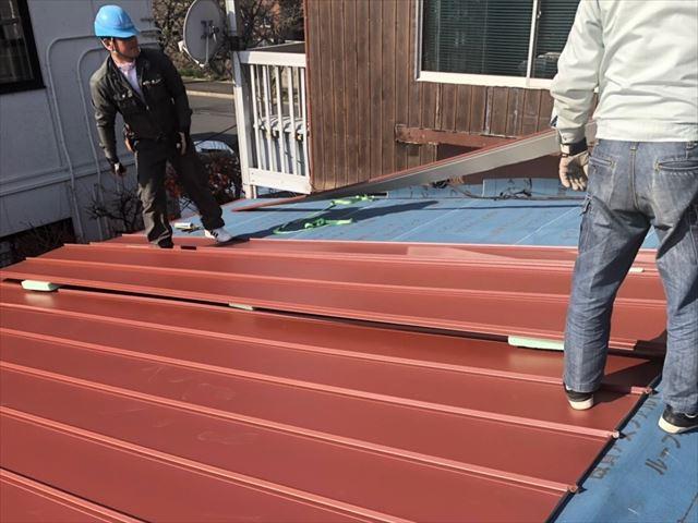 金属屋根の葺き替え工事