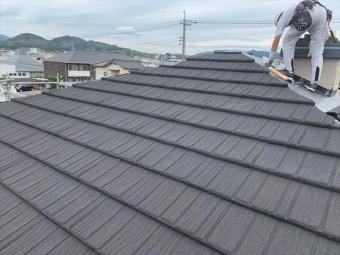 コロナで屋根カバー工法