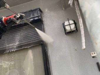 外壁の汚れをバイオ洗浄で除去