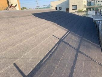 カバー工事で屋根材セネターを施工