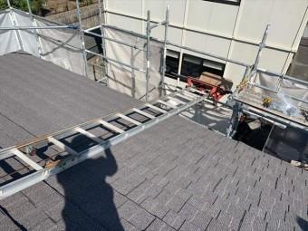 屋根材の荷揚げ機