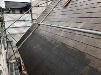 スレート屋根を高圧洗浄
