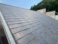 屋根カバー工法を施工前のスレート屋根