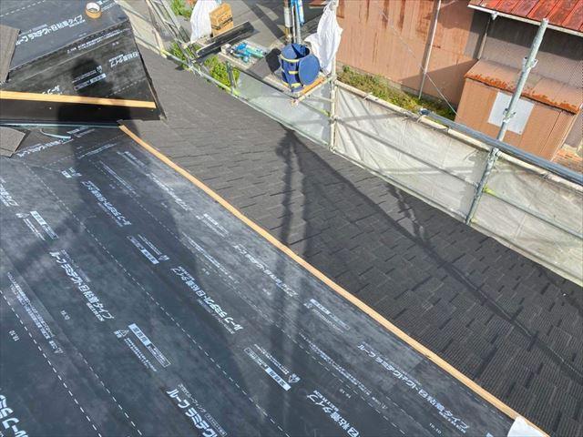 周南市でドーマーから雨漏りしないよう雨仕舞に注意して屋根材を施工