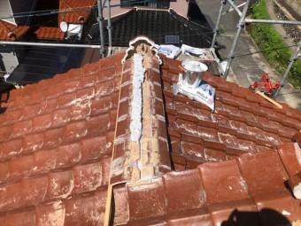 棟瓦の積み作業