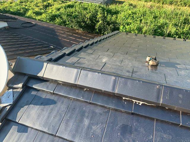 瓦屋根の棟部分の仕上げ