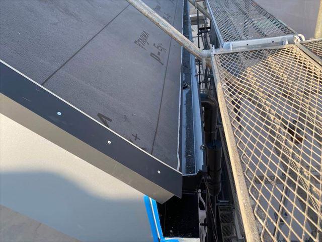 屋根カバー工法でルーフィング(防水紙)の敷設