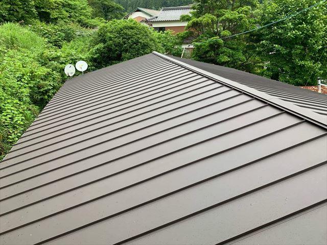 立平葺きで施工した金属屋根