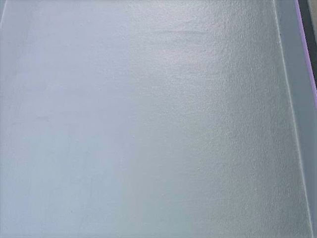 トップコート塗布後の屋上床面