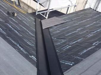セネター屋根の谷施工
