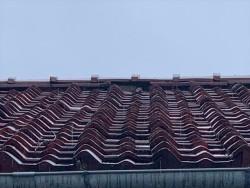 棟瓦が落下した瓦屋根