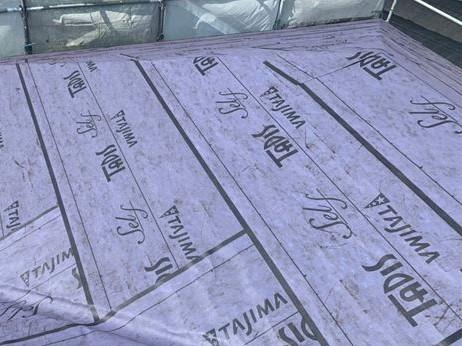 田島ルーフィング株式会社の屋根下葺材「タディスセルフ」