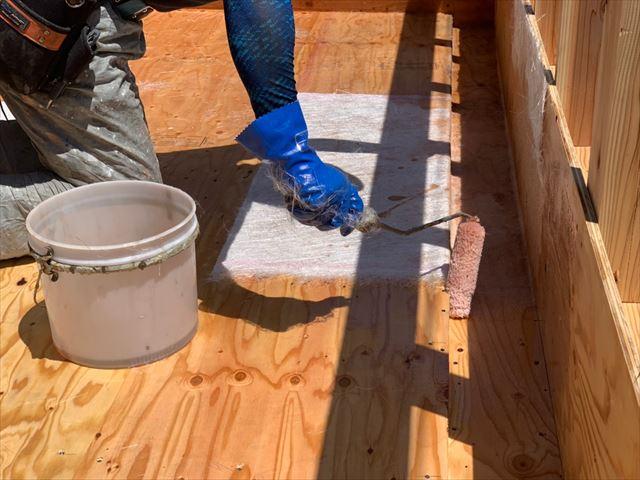 FRP防水のガラスマット張り込み