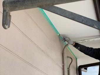 シーリング充填前のプライマー塗布