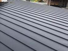 立平葺きで施工後の屋根