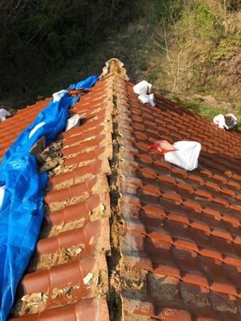 大棟を解体した屋根