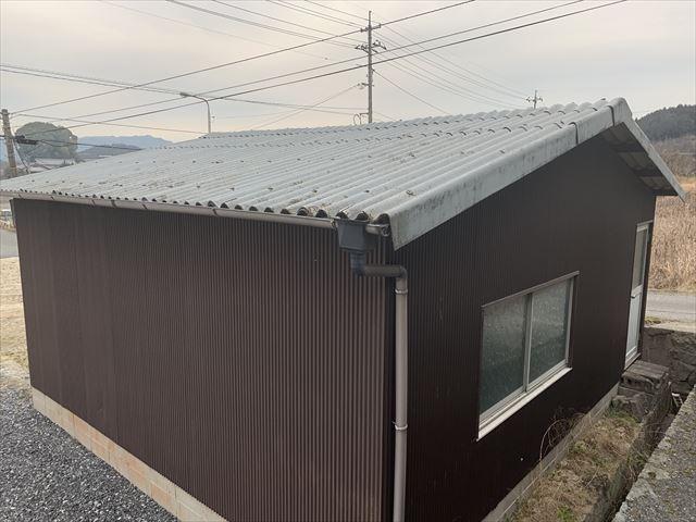 波型スレート屋根倉庫