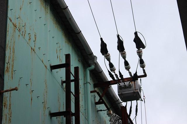 一次側高圧電線