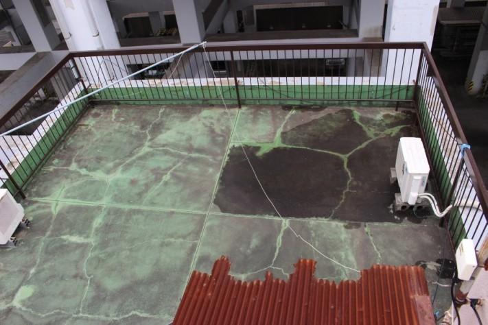 痛んだ屋上防水