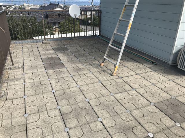 屋上の断熱ブロック
