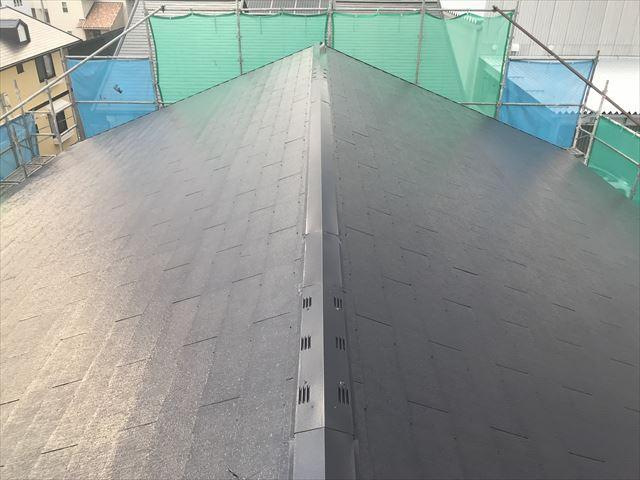 塗装してキレイになったスレート屋根