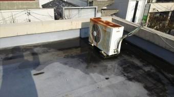 屋上の水溜まり