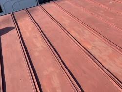 劣化した瓦棒屋根