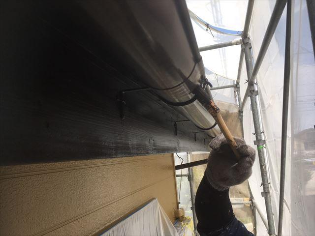 軒樋の塗装