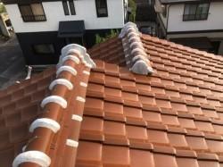 葺き直し前の瓦屋根