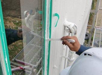 錆が出た窓枠の塗装